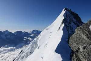 DSC00429 300x200 - Blick auf den Gipfel des Weisskorns