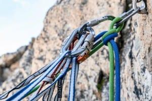 Klettersteig Ausrüstung Titelbild 300x199 - Klettersteig Ausrüstung - Titelbild