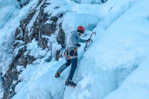 Alpine Gefahren Einsatz der richtigen Ausrüstung 300x199 - Alpine-Gefahren-Einsatz-der-richtigen-Ausrüstung