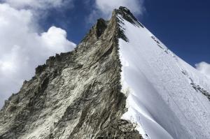 Beitragsbild Bergsteigen im Wallis 2 300x199 - Beitragsbild-Bergsteigen-im-Wallis-2