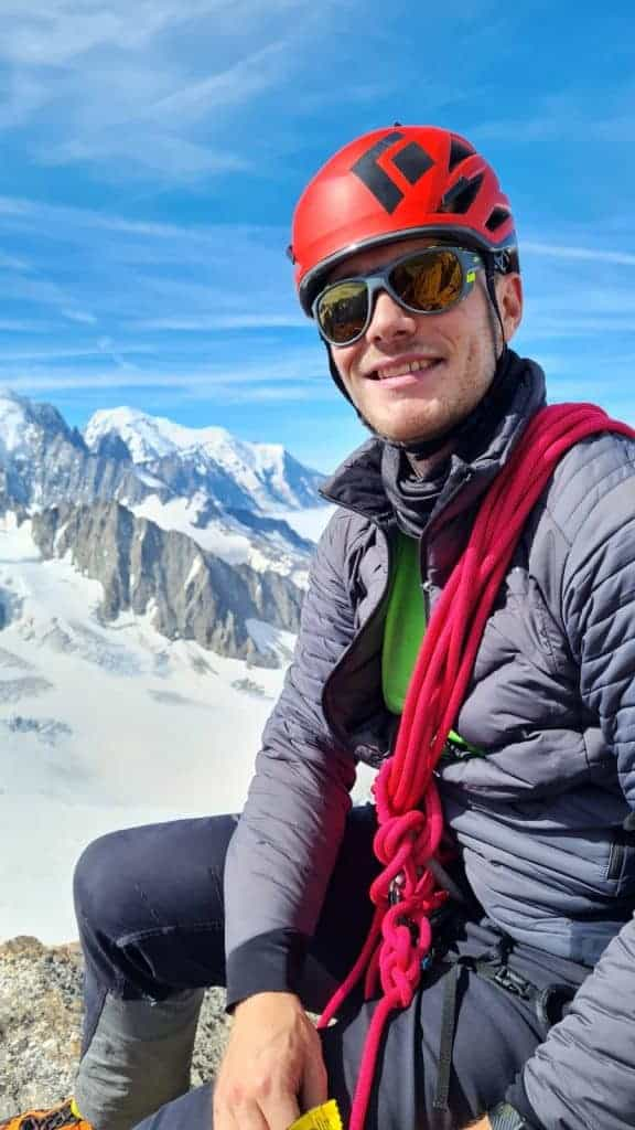 71840551 45d2 4c12 b91a b2025ca8d139 576x1024 - Aiguilles du Tour 3541 m - Arête de la Table
